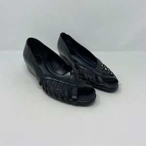 Life Stride Faux Leather Low Open Toe Wedge Sz 11